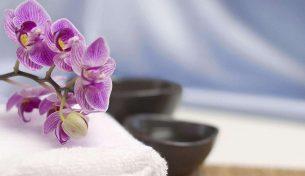 """5 tác dụng """"vàng"""" của massage chải thông kinh lạc"""